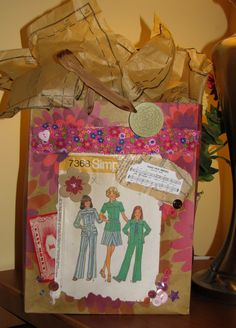 retro style gift bag
