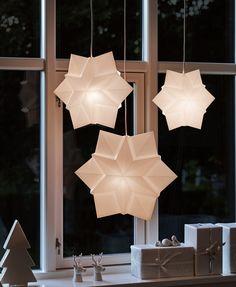 Star Pendelleuchte von Le Klint – nicht nur Weihnachtsbeleuchtung sondern auch ein ganzjähriges Design für sanftes Schummerlicht in Schlafzimmer und Kinderzimmer: http://www.ikarus.de/marken/le-klint.html