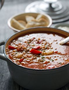 super leckere, kalorienarme und aromatische gefüllte Paprika-Suppe//stuffed pepper soup- aromatic, delicious and low calorie. Recipe also in english! Keto Stuffed Peppers, Stuffed Pepper Soup, Soup Kitchen, Calories, Meal Prep, Clean Eating, Tasty, Yummy Yummy, Food And Drink