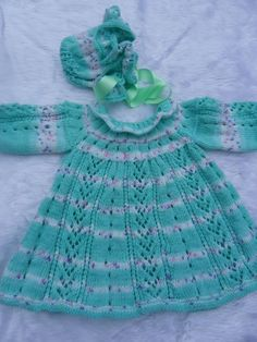 Hand knitted baby dress and bonnet 03 months by Knittingtopia, £23.00