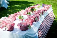 cute table for a teddy bear picnic party
