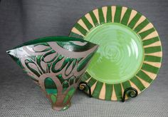 Welcome to my pottery blog.  If you see something you like in the most recent post, send me an e-mail. (lizkinder@me.com) and I'll ship it to you. If you see something in another post or one marked (sold) you can always ask me to remake it.