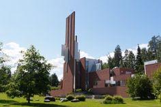 Pyhän Johanneksen kirkko - Kuopio, Suomi   DiscoveringFinland.com