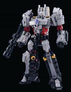 New Transformers Maketoys MT MTCD 02 Rioter Megatron in stock Transformers Action Figures, Robot Action Figures, Transformers Toys, Transformers Characters, Action Toys, Vinyl Toys, Star Wars Art, Star Trek, Girl Humor