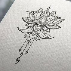 Tatuaggio fiore di loto disegnato su un foglio, decorato con tanti ornamenti