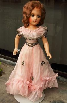 Madame Alexander Composition Piper Laurie doll 21""