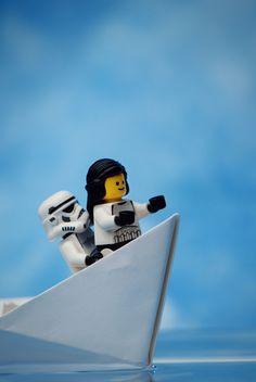 Lego Titanic Star Wars hehehe- créer des images avec bonhomme Lego pour chambre de petit garçon !