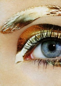 Gold metallic liquid eye makeup look as featured in Vogue Japan 2007 (r) Make Up Gold, Glitter Make Up, Make Up Art, How To Make, Eye Makeup, Beauty Makeup, Hair Makeup, Hair Beauty, Gold Makeup