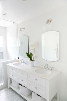 Amanda and Mike& big design challenge in their Mar Vista house (that they share with their five-year-old son Declan) was marrying the beautiful antiques that were inherited from Amanda& grandmother with their more contemporary tastes Small Bathroom, Master Bathroom, Washroom, Bathroom Ideas, Bathroom Drawers, Half Bathrooms, Condo Bathroom, Bathroom Black, Bathroom Sconces