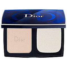 Dior - Diorskin Forever Compact Flawless Perfection Fusion Wear Makeup SPF 25 - VERY finely milled Great to set foundation for a flawless look...specially under-eye concealer as it won't settle into fine lines