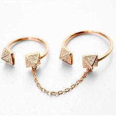 Chained Crystal Pyramids Full Finger Ring - Ring to Perfection