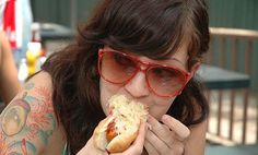 Vegan hot dogs? Don't mind if I do! Where were all these ideas back when I was a veggie?!?!