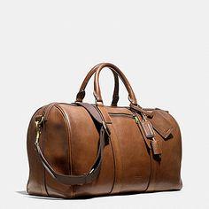 Coach Bleecker Duffle In Leather Leather Duffle Bag, Leather Luggage, Mochila Nike, Handbags For Men, Leather Accessories, Luxury Bags, Luggage Bags, Leather Men, Mantel