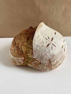 """🍞""""Basic"""" Surdejsbrød   opskrifter   GastroFun.dk 20 Min, Bakery, Bread, Food, Brot, Essen, Baking, Meals, Breads"""