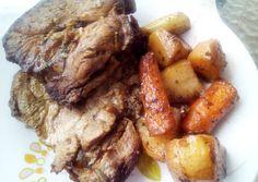 Χοιρινό ψητό με λαχανικά Pot Roast, Ethnic Recipes, Food, Puertas, Carne Asada, Roast Beef, Meals, Yemek, Eten