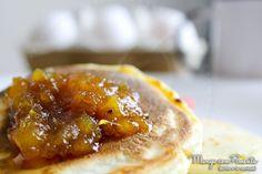 Geléia de Abacaxi com Gengibre para deixar qualquer café da manhã ou da tarde feliz :) Para ver a receita, clique na imagem para ir ao Blog Manga com Pimenta.