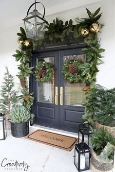 Christmas Time Is Here, Christmas Home, Merry Little Christmas, Rustic Christmas, Christmas Holidays, Farmhouse Christmas Decor, Christmas Ideas, Christmas Front Doors, Front Porch Ideas For Christmas