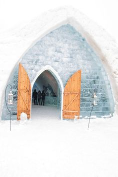The Hotel de Glace ice hotel, just one of 10 reasons to make Quebec City your next winter destination. www.casualtravelist.com