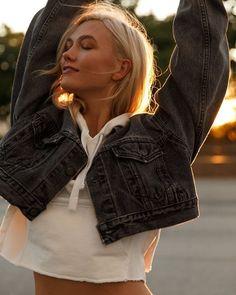 Модель Карли Клосс запустит собственное вечернее шоу на канале Freeform #шоунаканалеFreeform #КарлиКлосс