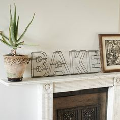 'Bake' Wire Sign