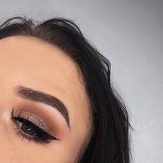 e y e s • @hudabeauty #desertduskpalette @shophudabeauty  @pierrerene_professional_makeup eyeliner b r o w s • @anastasiabeverlyhills #dipbrow dark brown g l o w • @beccacosmetics moonstone l a s h e s • @beautylashespl holly #anastasiabeverlyhills #abhgirl #norvina #abh #makeup #mua #muapl #beccahighlighter #abhbrows #wakeupandmakeup #makeupforbarbies #darklips #plgirl #girl #selfie #l4l #f4f #followme #lauramercier #undiscoveredmua #picoftheday #instapic #hudabeauty #shophudabeauty…