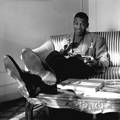 Summers In Newport Sugar Ray Robinson, Prophets In Islam, American Sports, American Boxer, Boxing Posters, Boxing History, Boxing Champions, Sport Icon, Black Image