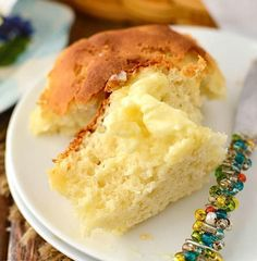 With this Gluten Free Dinner Rolls Recipe, you'll be able to enjoy a warm, buttered roll too. This gluten free biscuit recipe is so good that your friends and family might not even notice that it's not the same recipe that they're used to. Gluten Free Dinner Rolls, Dinner Rolls Recipe, Gluten Free Recipes For Dinner, Gluten Free Breakfasts, Roll Recipe, Paleo Recipes, Bread Recipes, Sin Gluten, All You Need Is