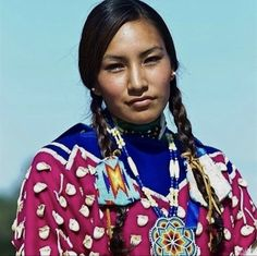 Native Girls, Native American Girls, Native American Beauty, Native American History, American Pride, First Nations, Woman Face, Mexican Girls, Western Comics