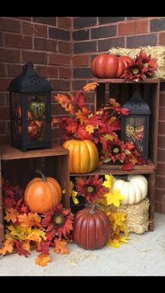 75 Farmhouse Fall Porch Decorating Ideas More from my site Easy DIY Fall Decor ideas for a stunning fall porch display! Try the DIY crate p… Best Farmhouse Fall Porch Decor to Look Amazing Our Fall Front Porch – SUGAR MAPLE notes Festive Fall Front Porch Autumn Decorating, Pumpkin Decorating, Rv Decorating, Fall Home Decor, Autumn Home, Diy Autumn, Holiday Decor, Porche Halloween, Fall Halloween