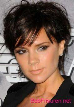 schwarz kurze haare #kurzehaare #kurzhaarfrisuren #shorthair #shorthairstyles #hair #hairstyles #frisuren #frisur #hairstyle #girls #girl #woman #uk #usa #nyc #black