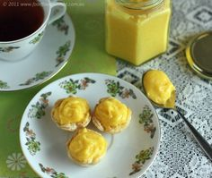 Delicious lemon curd that thickens with extra time, I used only yolks Ketogenic Recipes, Low Carb Recipes, Real Food Recipes, My Favorite Food, Favorite Recipes, Bellini Recipe, Lemon Curd Recipe, Sweet And Low, Lemon Bars