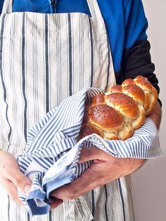 Delicioso pan judío o challah acompañado de un detallado paso a paso de su trenzado