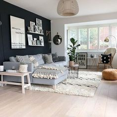 How to Decorate Dark Walls Around Light Hardwood Floors – – Wohnen Home Living Room, Apartment Living, Interior Design Living Room, Living Room Designs, Living Room Decor Grey Walls, Dark Floor Living Room, Apartment Therapy, Light Hardwood Floors, Floor Decor