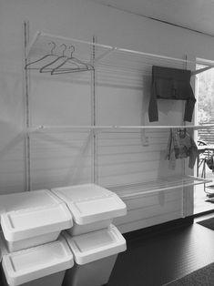 30+ Awesome Drying Room Design Ideas #soussolfarmhouse