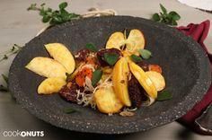 Süsskartoffel Blunzngröstl mit karamalesierten Äpfeln Sauerkraut, Meat, Chicken, Recipes, Food, Potato Onion, Browning, Easy Meals, Essen