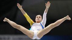 Medaillenhoffnung: Raluca Haidu Foto: dapd Gymnastics Images, Sport Gymnastics, Artistic Gymnastics, Olympic Gymnastics, Olympic Sports, Rhythmic Gymnastics, Will Turner, Sandra Schmidt, Katharina Witt
