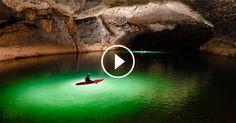 Faire du kayak sur une rivière semble a priori être une activité commune pour les gens quand ils sont en vacances. Mais pouvoir faire cette activité en visitant une immense grotte, cela paraît autrement plus insolite. C'est ce que le photographe Ryan Deboodt a eu ...
