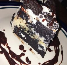 Mothers Day Dessert Recipes She'll Love – Oreos + Strawberry Cheesecake Bars Think Food, I Love Food, Good Food, Yummy Food, Tasty, Oreo Cake Recipes, Snack Recipes, Dessert Recipes, Snacks