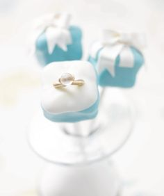 Cake Pop Idea - Ring Box  LOVE this idea for popping THE question...must store this as I get asked about how to pop it often!