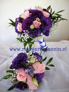 Lisianthus morado con rosas rosadas