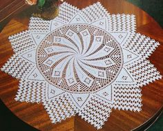 Beautiful Crochet Patterns and Knitting Patterns - Browse our thousands of free crochet patterns and knitting patterns. Select your favorite one and start working on it. Do not forget to share our patterns. Crochet Doily Diagram, Crochet Doily Patterns, Baby Knitting Patterns, Crochet Doilies, Crochet Home Decor, Crochet Crafts, Crochet Projects, Beau Crochet, Free Crochet