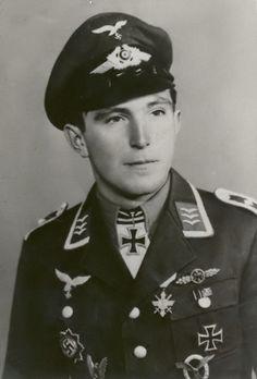Leutnant Edmund Rossmann (1918-2005) -- RK: 19-3-42 Flugzeugführer 7./JG-52