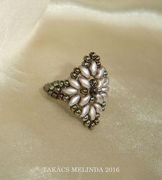 bronze-drab superduo beaded ring by Melinda