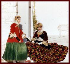 Skopelos Costumes. http://2.bp.blogspot.com/-VfQ6nJPiFwU/T7PsQ6qkOhI/AAAAAAAAEMI/3aWA91iq_mo/s1600/skopelos.costume.02.jpg