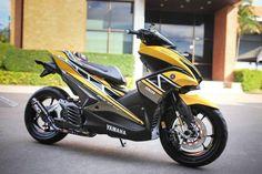 สำหรับรถแนวออโตเมติกสปอร์ตรุ่นใหม่ล่าสุดอย่าง New Yamaha Aerox 155 นั้นนอกจากจะดูดีโดยกำเนิดแล้ว ยังมีหลายต่อหลายคนนำเจ้ารถมอไซค์ 155 cc คันนี้ตกแต่งกันอย่างมากมาย หลากหลายแนวทางซึ่งอุปกรณ์ตกแต่ง Aero..