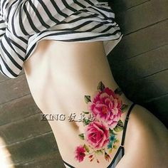 Lower Belly Tattoos For Women Lower Belly Tattoos, Stomach Tattoos Women, Hip Tattoos Women, Sexy Tattoos For Girls, Back Tattoo Women, Tattoo Mama, Phönix Tattoo, Tatoo Henna, Rose Tattoos