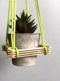 Diy Decor Room, Diy Crafts For Home Decor, Diy Crafts Hacks, Diy Home Decor On A Budget, Craft Stick Crafts, House Plants Decor, Plant Decor, Diys, Diy Tumblr