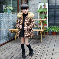 27.45$  Buy now - http://ali1vt.shopchina.info/go.php?t=32730039233 - 2016 medium-long winter coat for girls children clothing kids keep warm cotton-padded leopard print jacket with fur hood  #aliexpresschina