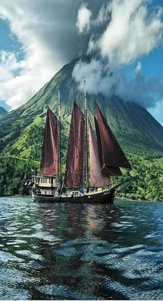 Top Five Reasons Yacht Charters in Bahamas Are Better Old Sailing Ships, Float Your Boat, Boat Art, Sail Away, Fantasy Landscape, Tall Ships, Water Crafts, Nature Photos, Beautiful Landscapes
