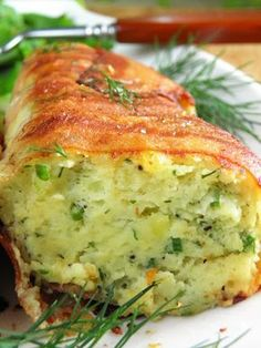 Potato roulade of smoked bacon Easy Healthy Recipes, Vegetarian Recipes, Snack Recipes, Easy Meals, Cooking Recipes, High Carb Diet, Loaded Baked Potatoes, Smoked Bacon, Pork Belly